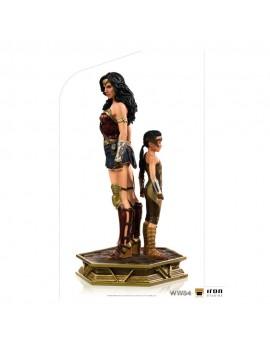 Wonder Woman 1984 statuette...