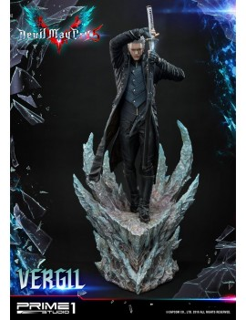 Devil May Cry 5 statuette...