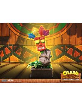 Crash Bandicoot statuette...