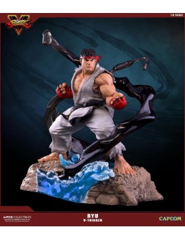 Street Fighter V statuette...